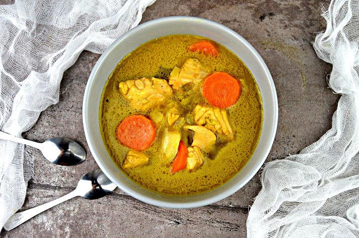 Pyszna zupa rybna w stylu fit